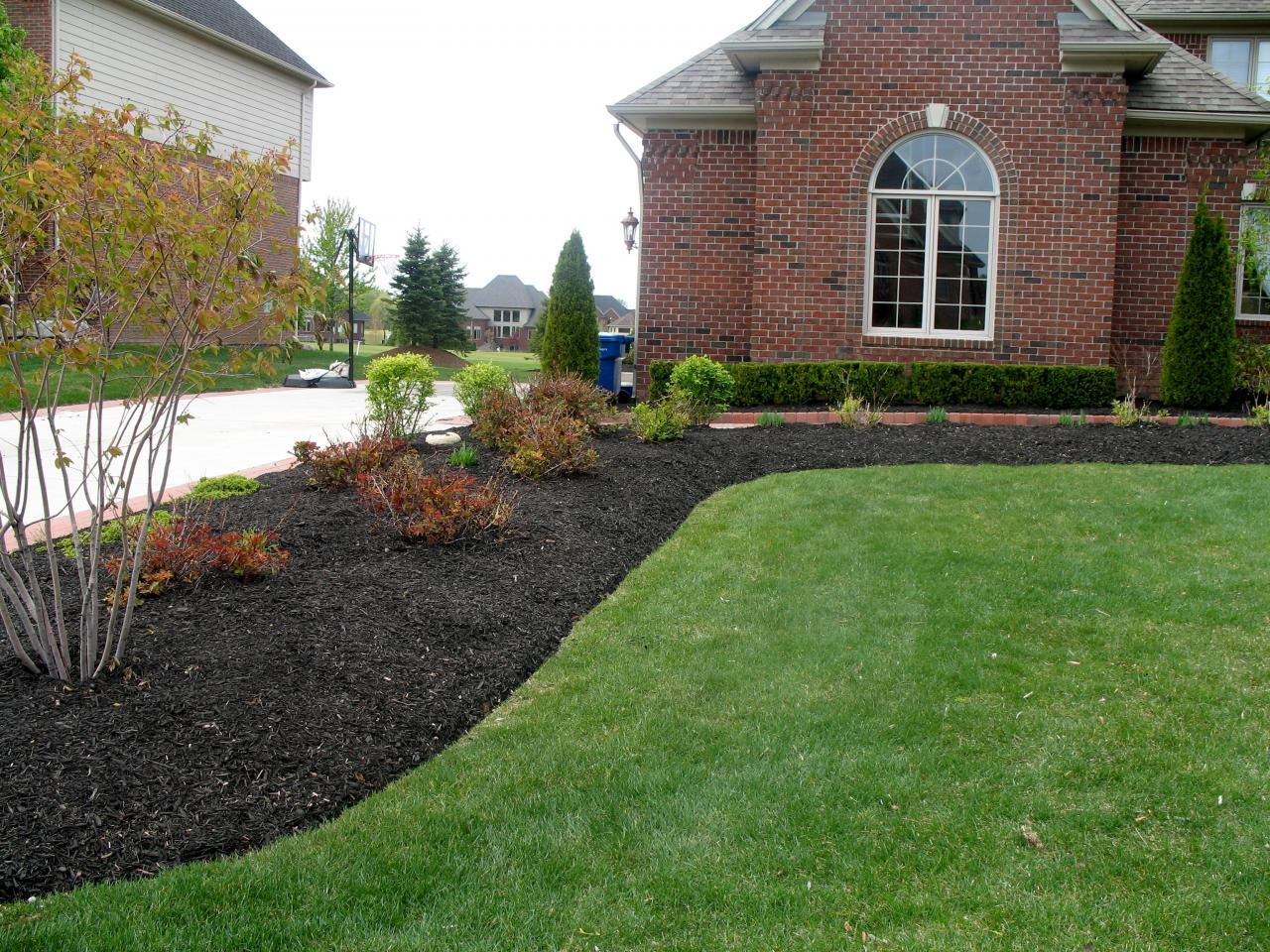 Fito 39 s landscaping landscaping photos for Landscaping rocks vs mulch